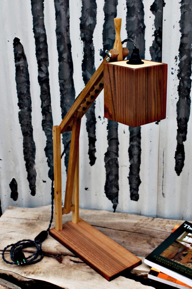 oggetti di design in legno - lampada da scrivania