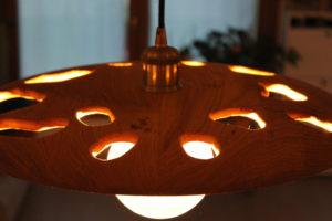 Artigianato in legno - lampadario in legno