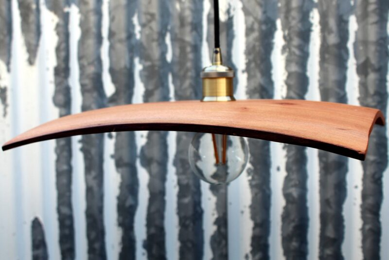 lampadario in legno di olmo spazzolato
