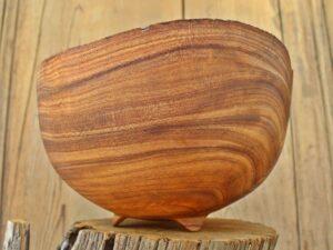 Bowl in olmo
